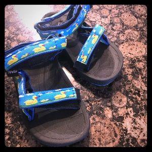 Like New Toddler Sz 6 Teva Duck Sandals